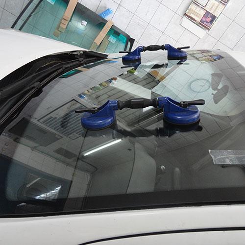 Peugeot zamena prednjeg stakla